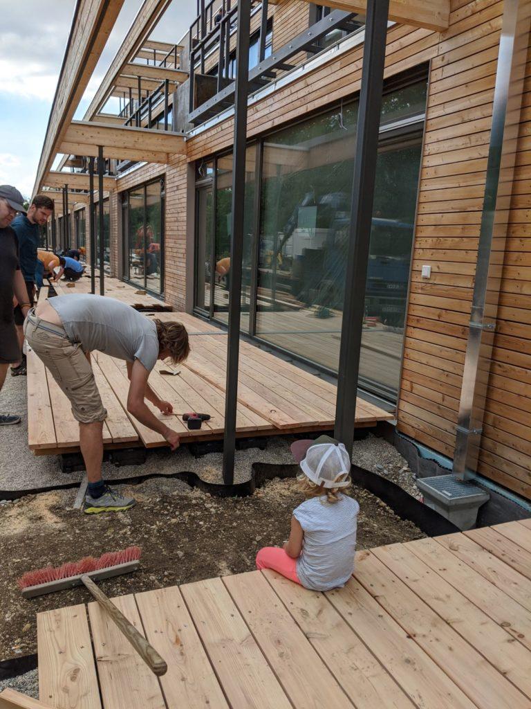 5. August 2020: Eigenleistung Beplankung der Terrassen.